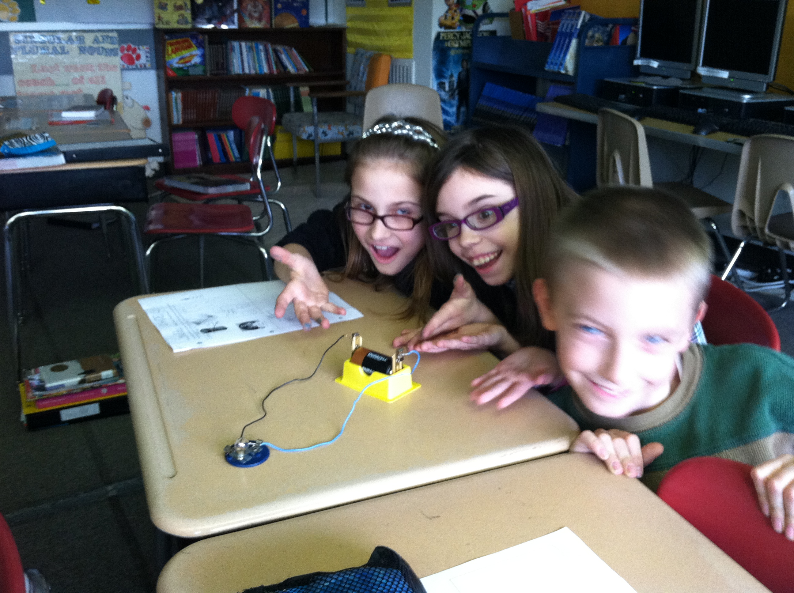 How Electricity Moves In A Circuit Electric Diagram For Kids Parallel Circuits The Current Can Follow More Than One Path To Return Source So It Splits Up Among All Available Paths